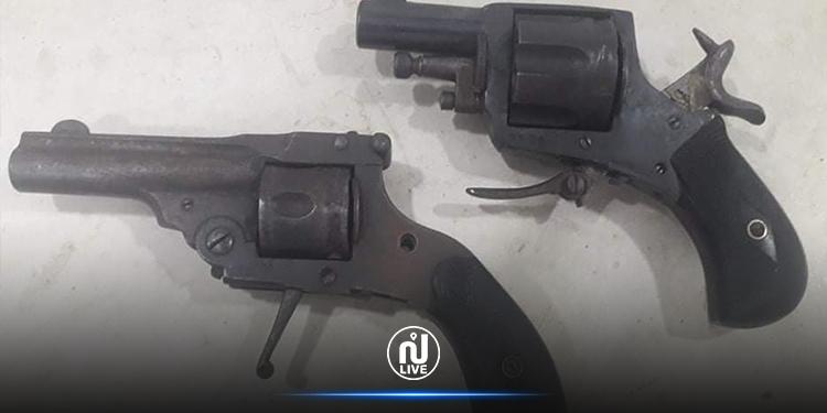 الكاف: حجز مسدسين ألمانيي الصنع في تاجروين (صور)