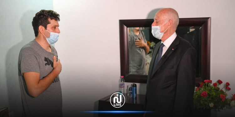 رئيس الجمهورية يزور الوكيل رامي الإمام في منزله بالمكنين (فيديو)