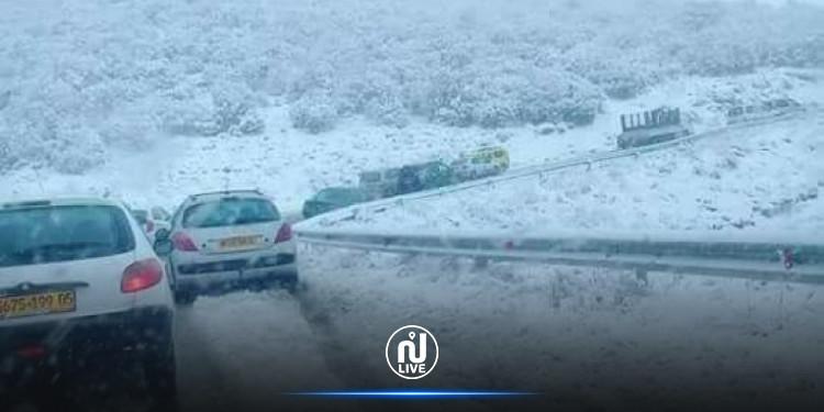 هواء بارد وثلوج في الجزائر