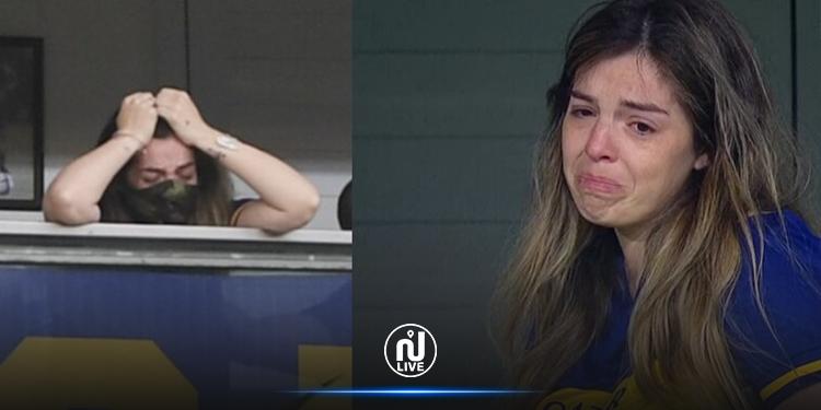 ابنة مارادونا تبكي بحرقة أمام  نجوم بوكا جونيورز(فيديو)