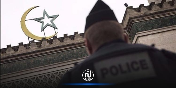 تفتيش 76 مسجدا في فرنسا ووزير الداخلية يهدد بإغلاق بعضها