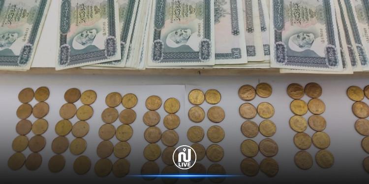 الإطاحة بشبكات للإتجار في العملة أجنبية  والآثار في قفصة