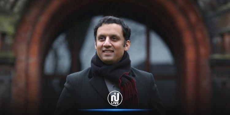 أول مسلم يتولى زعامة حزب سياسي في بريطانيا