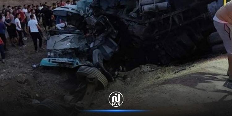 18 قتيلا و11 جريحا  في حادث مروع بالجزائر