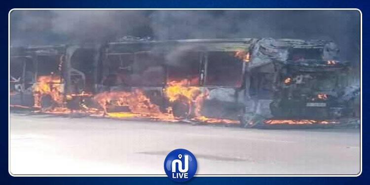 النيران تلتهم ﺣﺎﻓﻠﺔ الشركة الجهوية للنقل بصفاقس (صور)