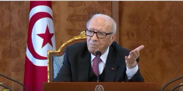 رئيس الجمهورية: 'كيما قال الأخر حكومة سي الباجي خلاتلنا تركة.. وهو التركة'
