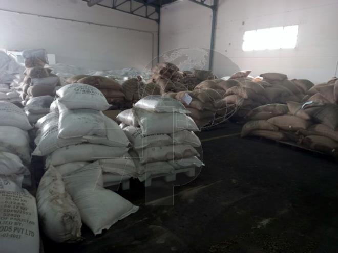 D'importantes quantités de riz, de café et de lait importées avariées par l'OCT