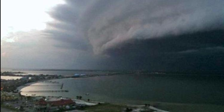 إعصار إرما يرتفع إلى الدرجة الرابعة ويهدد فلوريدا