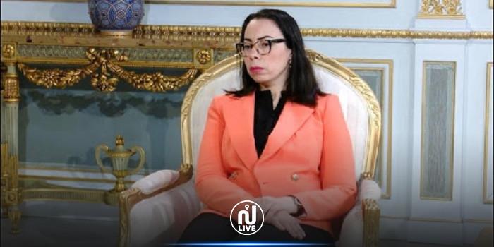 أسامة الخليفي: نادية عكاشة على راسها ريشة...!!!