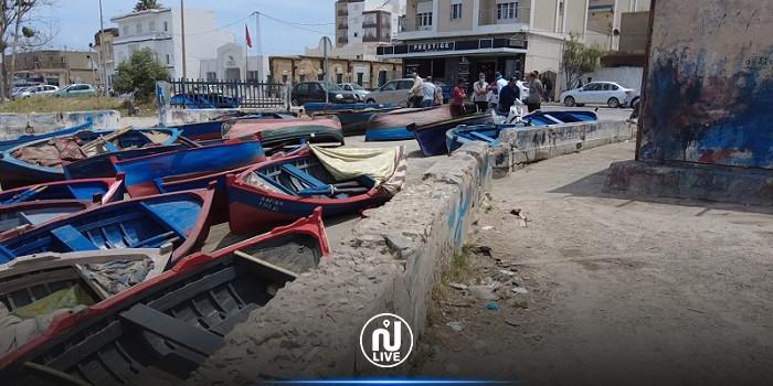 1500 عائلة بجرزونة مهددين بالبطالة بعد قرار منعهم من الصيد بالقنال