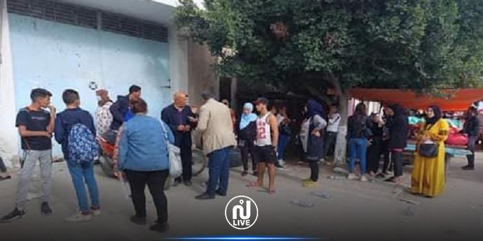 لم يسدد الأجور منذ أشهر: مصنع خياطة يغلق أبوابه...و250 عاملا يحالون على البطالة الإجبارية