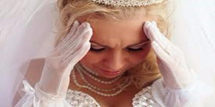 عروس تحتجز المدعوين في قاعة  الأفراح و تستدعي لهم الشرطة..والسبب!