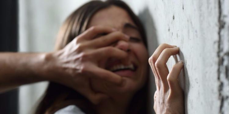 جندوبة: قاصر تلقي بنفسها من الطابق الثاني هربا من الاغتصاب