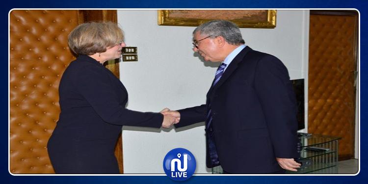 الزبيدي يبحث دعم التعاون العسكري بين تونس وبريطانيا مع لويز دي سوزا