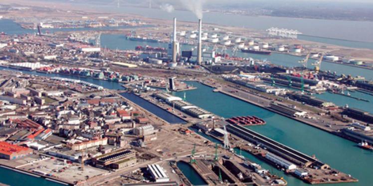 ميناء حلق الوادي: وقفة احتجاجية نقابية