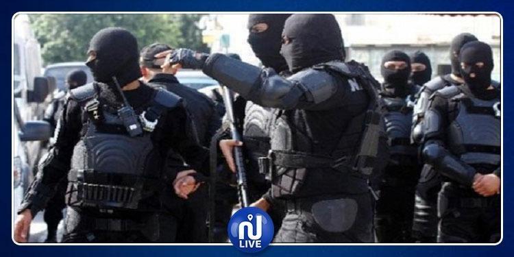 وزير الداخلية يدعو أعوان الأمن إلى اليقظة المستمرة