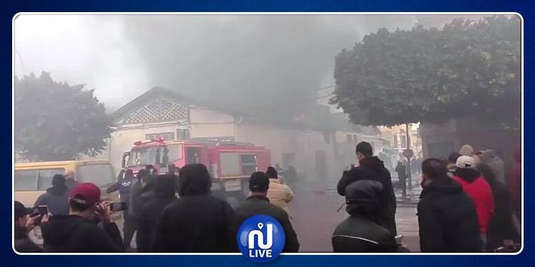 حريق هائل بمستودع وسط العاصمة (فيديو)