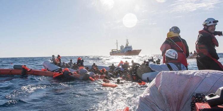في حادثة مأساوية جديدة...مصرع امرأتين وفقدان العديد من المهاجرين في عرض المتوسط (صور)