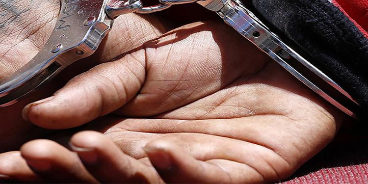 العاصمة: القبض على أربعيني محل 11 منشور تفتيش