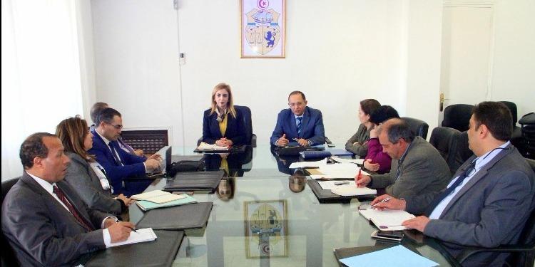 وزارة الصحّة تسعى إلى التقليص من إرسال المرضى التونسيين للعلاج بالخارج