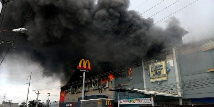 Philippines : Incendie meurtrier dans un centre commercial