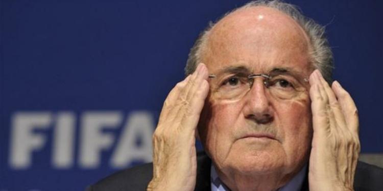 بلاتر رئيس الاتحاد الدولي لكرة القدم يؤكد أنه ليس فاسدا