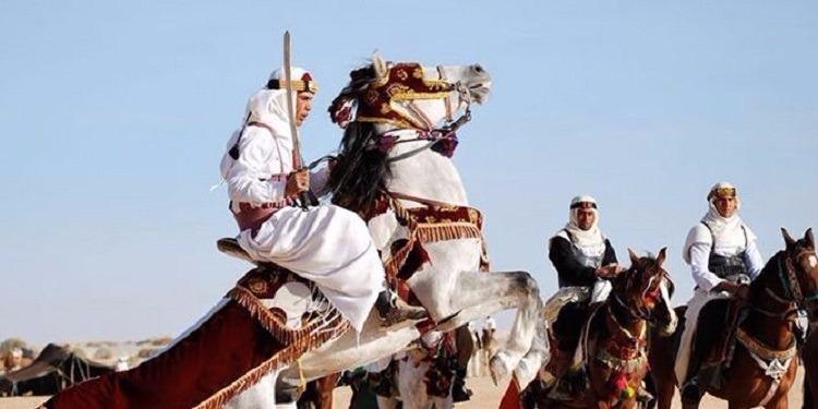 فوضى وعنف بمهرجان الفروسية ببوحجلة... ووزير الثقافة يُغادر وسط تعزيزات أمنية