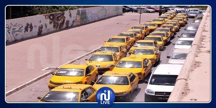 سواق 'التاكسي' الفردي يحتجون أمام البرلمان