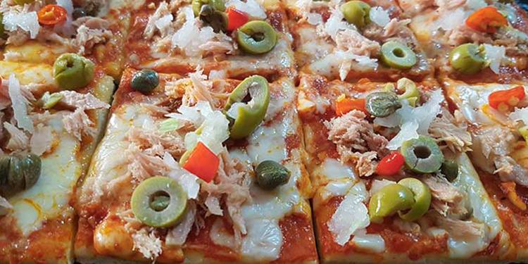 وصفة بيتزا منزلية بالتن