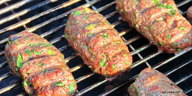 شرائح لحم مفروم مشوي