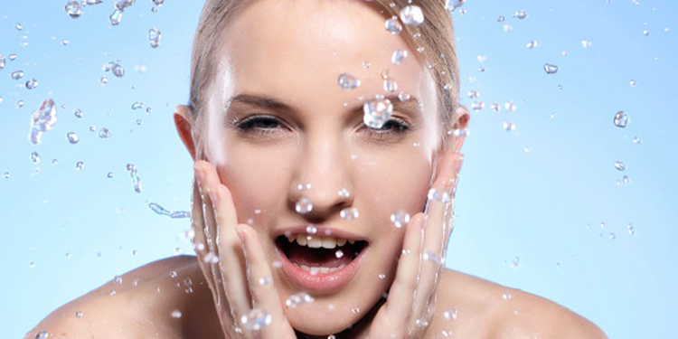 5 Masques visage faits maison pour hydrater sa peau