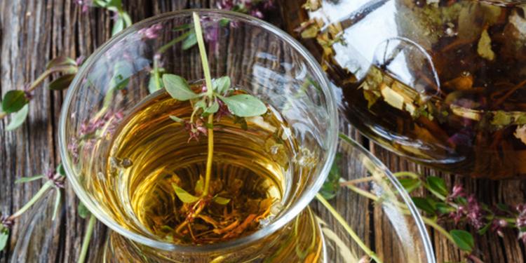 وصفة مشروب الزعتر والبسباس لحماية جهاز التنفّس