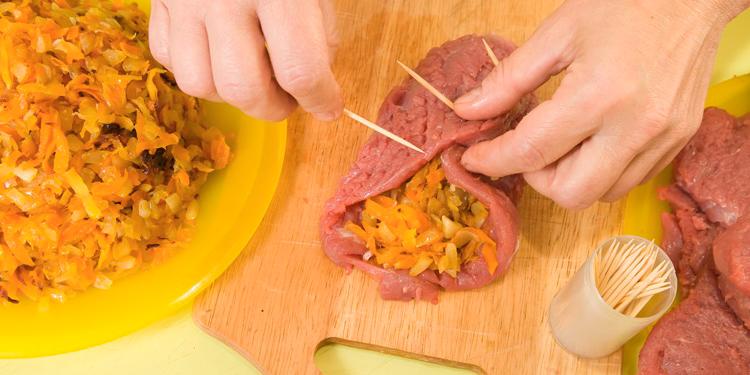 Steaks d'agneau farcis aux petits légumes