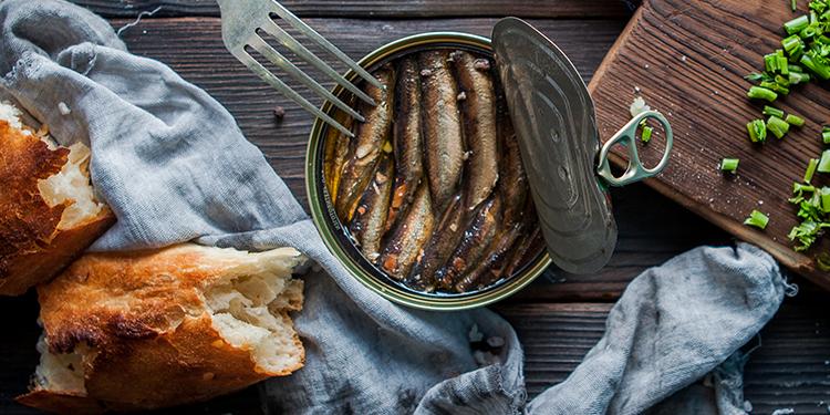 كيفية تحضير سمك السردين المعلب بطريقة طبيعية