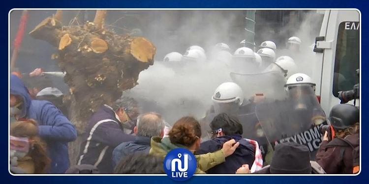 اليونان: إشتباكات بالحجارة والغاز بين الشرطة والمدرّسين (فيديو)
