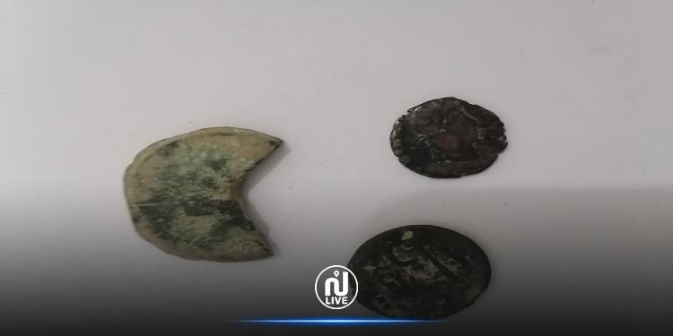 سليانة: حجز قطع نقدية وأثرية  تعود لسنة 193 قبل الميلاد