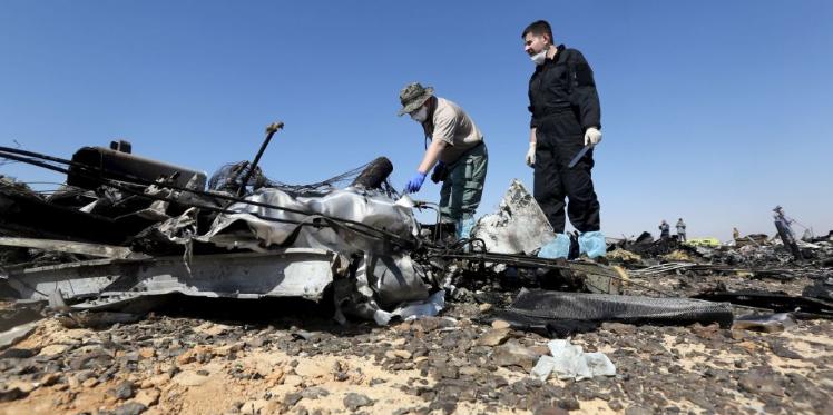 فريق التحقيق في حادث الطائرة الروسية المنكوبة انتهى من استخلاص محتوى صندوق أسود واحد