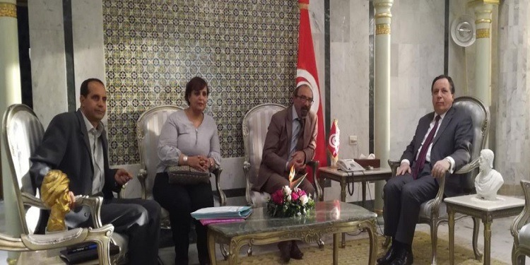 معالجة ملفات تخص تونسيين بالخارج محور لقاء بين وزير الخارجية ووفد من رابطة حقوق الإنسان