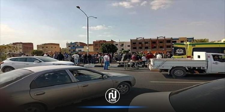 مصر: إصابة 17 شخصا في حادث انقلاب حافلة (صور)
