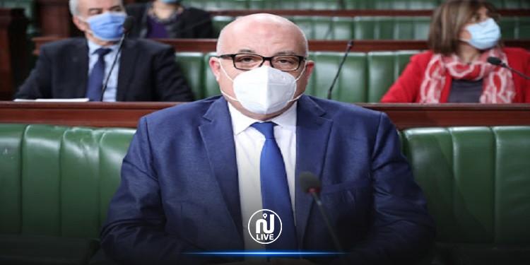 وزير الصحة يعلن عن تعميم التسجيل في حملة التلقيح ضد كورونا بالصيدليات