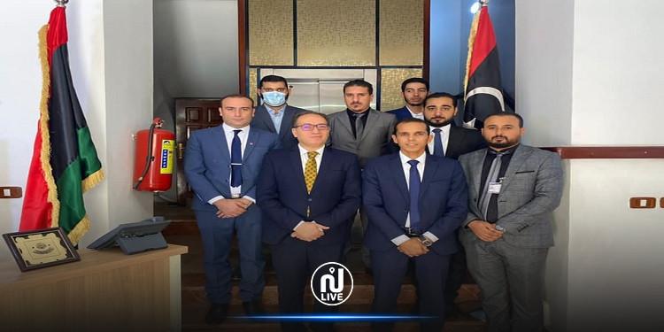السفير التونسي بليبيا يلتقي مدير معهد الدراسات الدبلوماسية لوزارة الخارجية الليبية