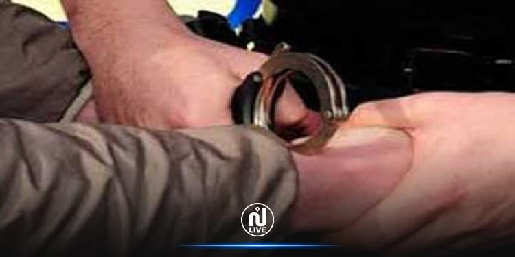 بنزرت: القبض على منحرفين هشما سيارة مواطن أمام مركز الأمن