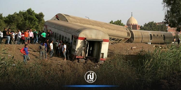 مصر: وفاة 4 عاملات وإصابة 26 آخرين في اصطدام قطار وحافلة