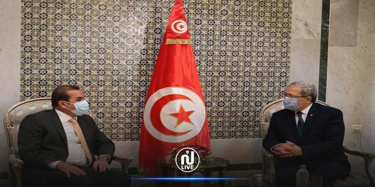 وزير الشؤون الخارجية يلتقي سفير العراق بتونس بمناسبة انتهاء مهامه