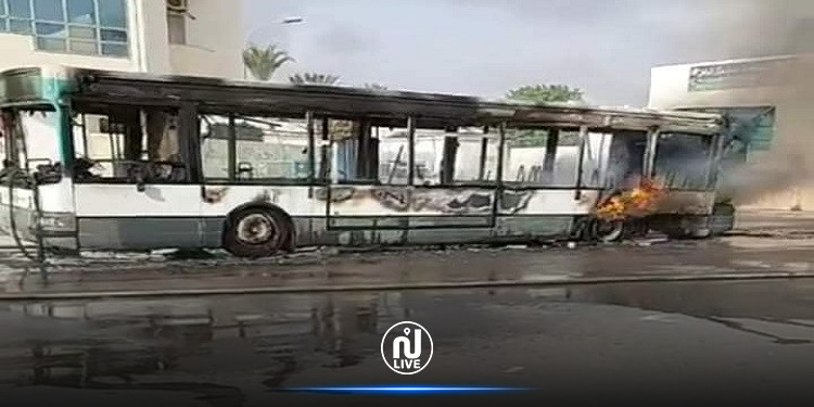 احتراق حافلة تابعة للشركة الجهوية للنقل بصفاقس بالكامل