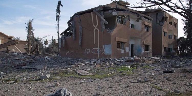 مقتل 33 شخص في غارة جوية على مدرسة في الرقة