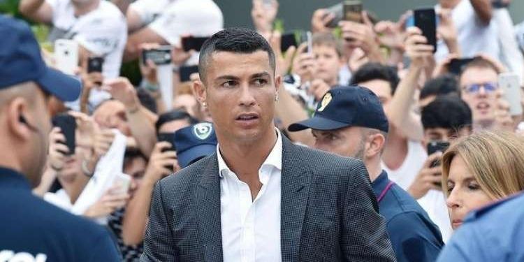 En vacances en Grèce: Ronaldo se fend d'un pourboire de 20.000 euros (photos)