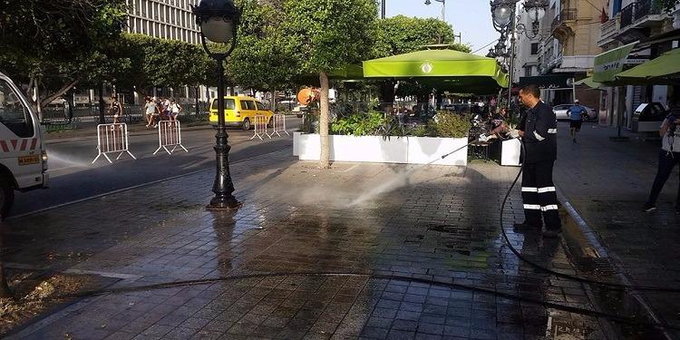 العاصمة: حملة تنظيف في شارع الحبيب بورقيبة (صور)