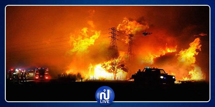 Australie: un incendie spectaculaire ravage une usine à Melbourne