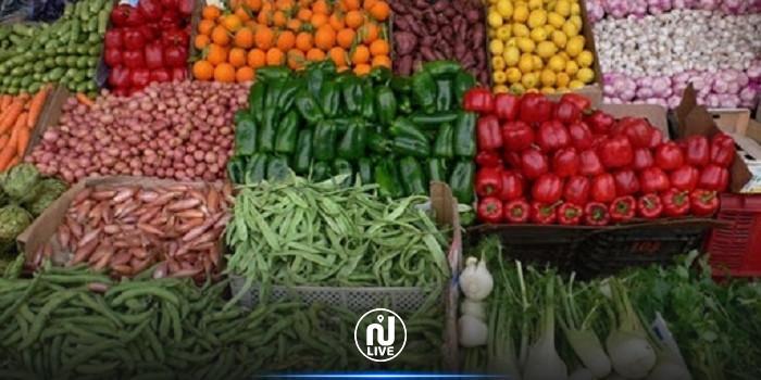 القصرين : حجز 20 طنا من الخضر والغلال وإعادة ضخها بالمسالك القانونية